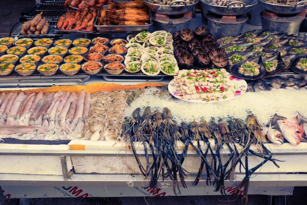 Vietnam travel tips - seafood street food in Phu Quoc