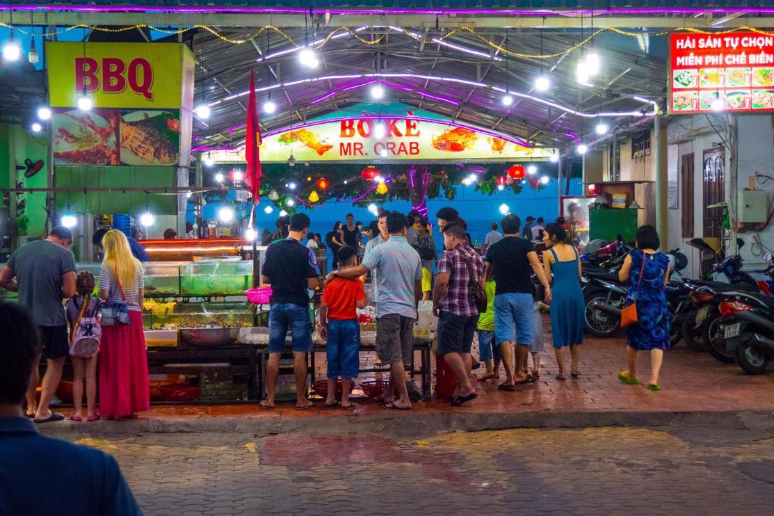 Is it worth visiting Mui Ne Vietnam? Things to do in Mui Ne at night - Fresh Seafood Restaurants