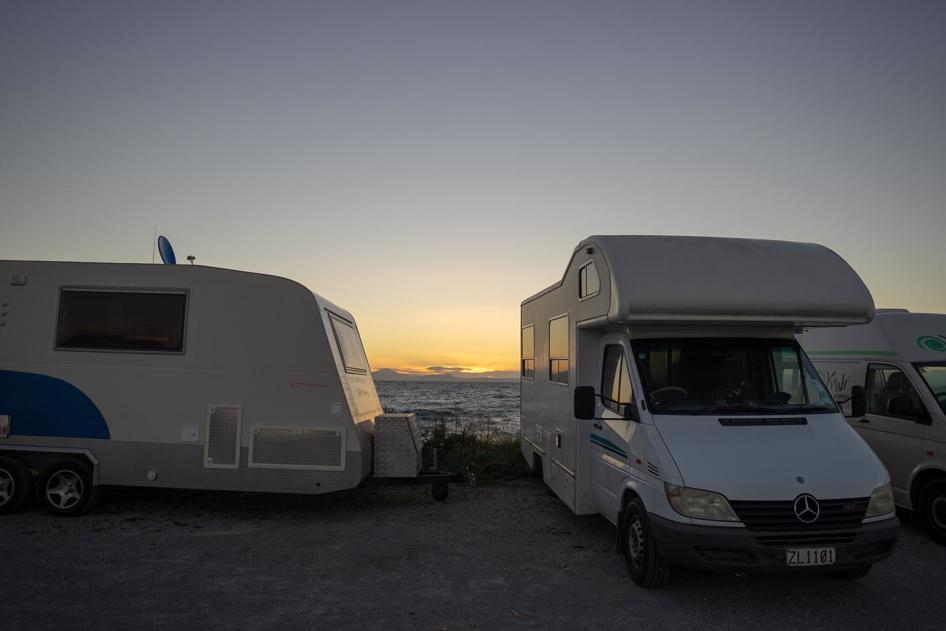 Freedom camping in New Zealand - Lake Taupo North Island
