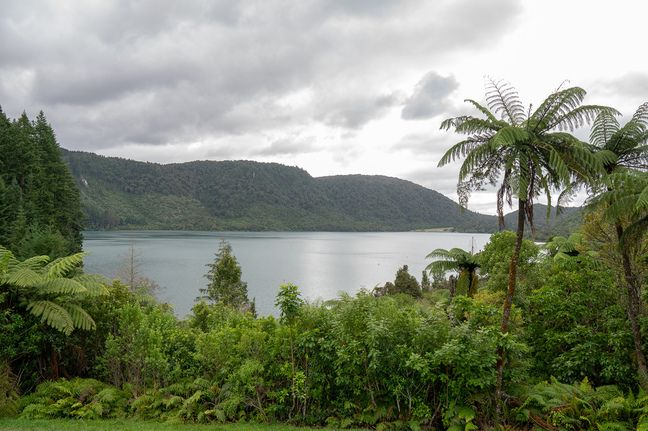 Best New Zealand road trips - Lake Tikatipu between Rotorua and Tongariro